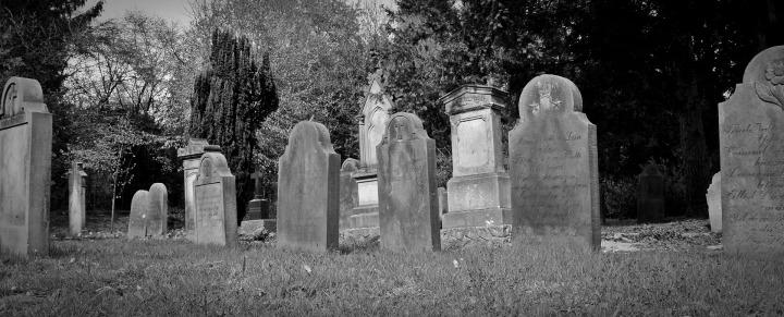 tombstone-2254373_1920
